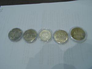 Пластиковые капсулы для монет
